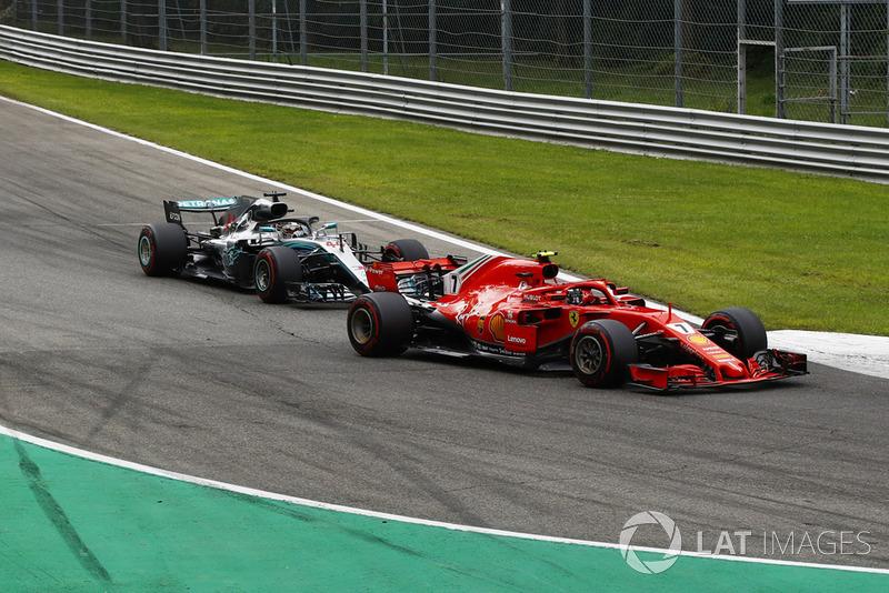 E Raikkonen - com prolemas nos pneus - não conseguiu segurar Hamilton