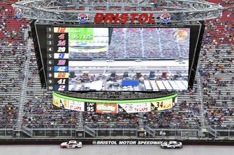 Ryan Blaney, Team Penske, Ford Fusion REV, Kevin Harvick, Stewart-Haas Racing, Ford Fusion Jimmy John's