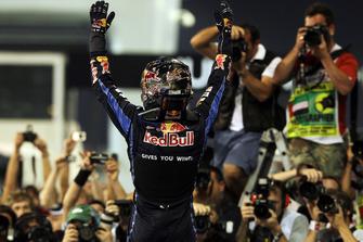 Sebastian Vettel, Red Bull Racing RB6 celebra convertirse en campeón del mundo 2010