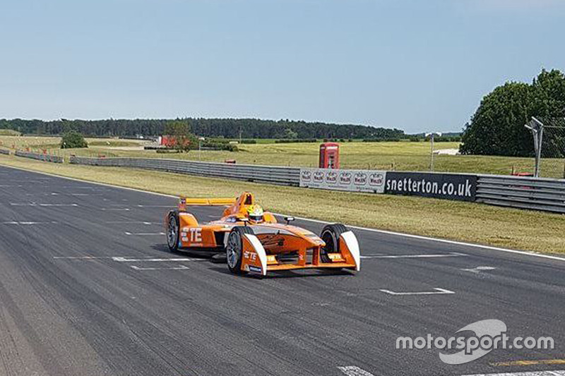 Andretti Autosport testing the season three car