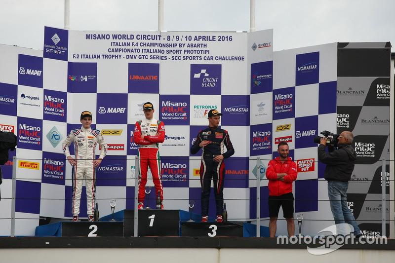 Podio gara 2 B-C, Mick Schumacher, Prema Powerteam, Job Van Uitert, Jenzer Motorsport, Diego Bertonelli, RB Racing