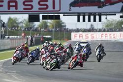 Départ : Jonathan Rea, Kawasaki Racing mène