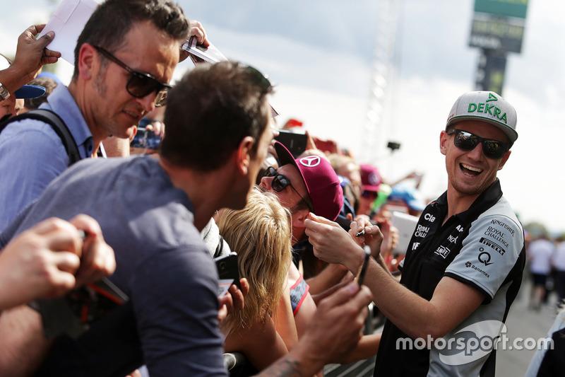 Nico Hulkenberg, Sahara Force India F1 con i tifosi