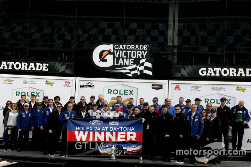 Winnaar GTLM: #66 Ford Performance Chip Ganassi Racing Ford GT: Joey Hand, Dirk Müller, Sébastien Bo