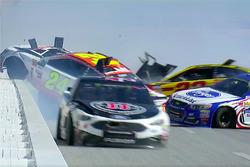 Kevin Harvick, Stewart-Haas Racing Ford, Chase Elliott, Hendrick Motorsports Chevrolet, A.J. Allmendinger, JTG Daugherty Racing Chevrolet involved in a big wreck