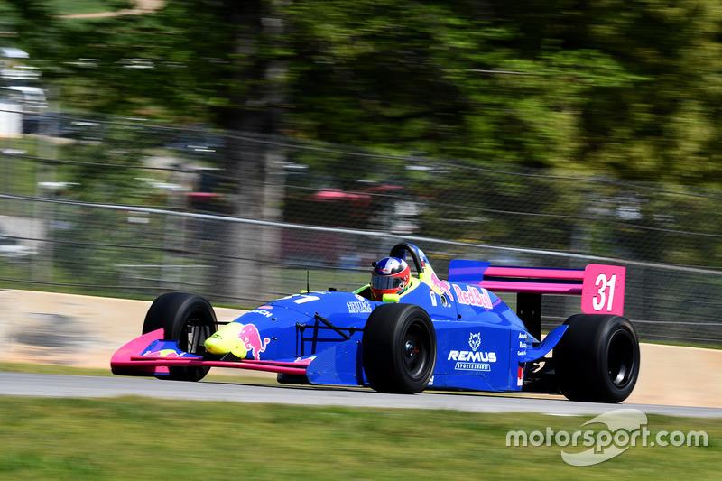 #31 1998 Lola T87 Travis Engen