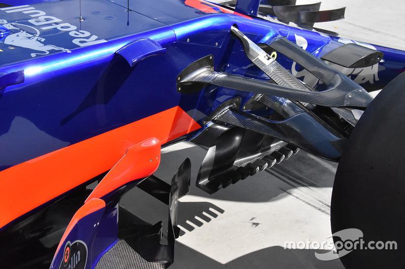 Scuderia Toro Rosso STR12 detalle lateral