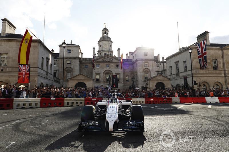 Lance Stroll, Williams FW40, en la demostración