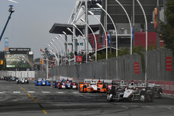 Helio Castroneves, Team Penske Chevrolet, Josef Newgarden, Team Penske Chevrolet