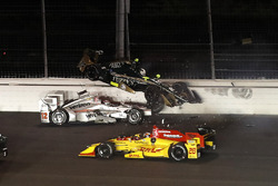 Ryan Hunter-Reay, Andretti Autosport Honda, Will Power, Team Penske Chevrolet, Ed Carpenter, Ed Carpenter Racing Chevrolet, crash