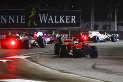 Sebastian Vettel, Ferrari SF70H perde il naso della sua monoposto dopo un contatto