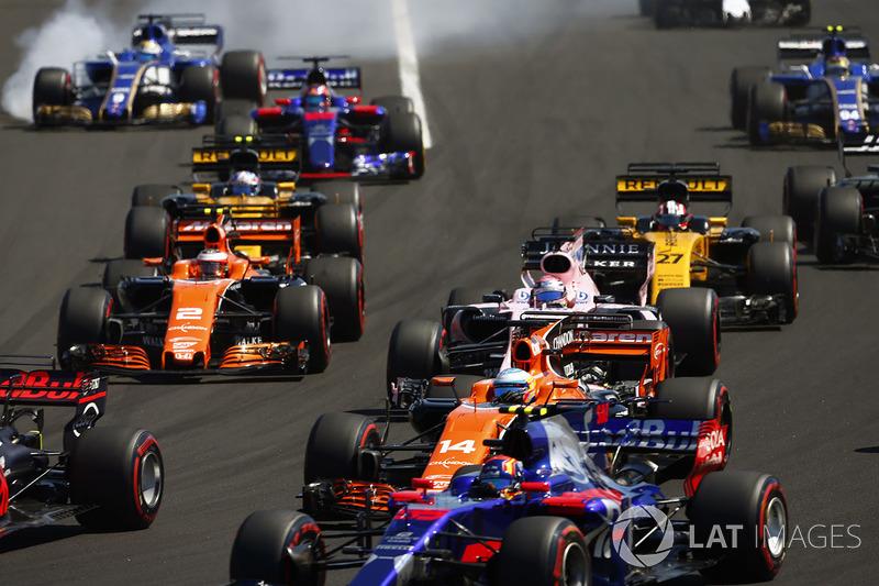 Маркус Ерікссон, Sauber C36, Карлос Сайнс-молодший, Scuderia Toro Rosso STR12, Фернандо Алонсо, McLaren MCL32, Серхіо Перес, Sahara Force India F1 VJM10, Стоффель Вандорн, McLaren MCL32, Ніко Хюлькенберг, Renault Sport F1 Team RS17, Джоліон Палмер, Renault Sport F1 Team RS17