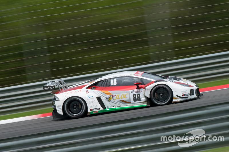 #88 JLOC, Lamborghini Huracan GT3, Manabu Orido, Kazuki Hiramine, Adrian Zaugg