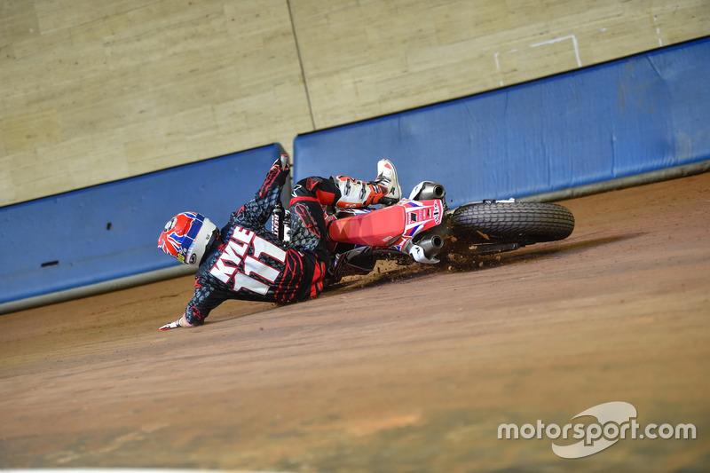 Crash: Kyle Smith