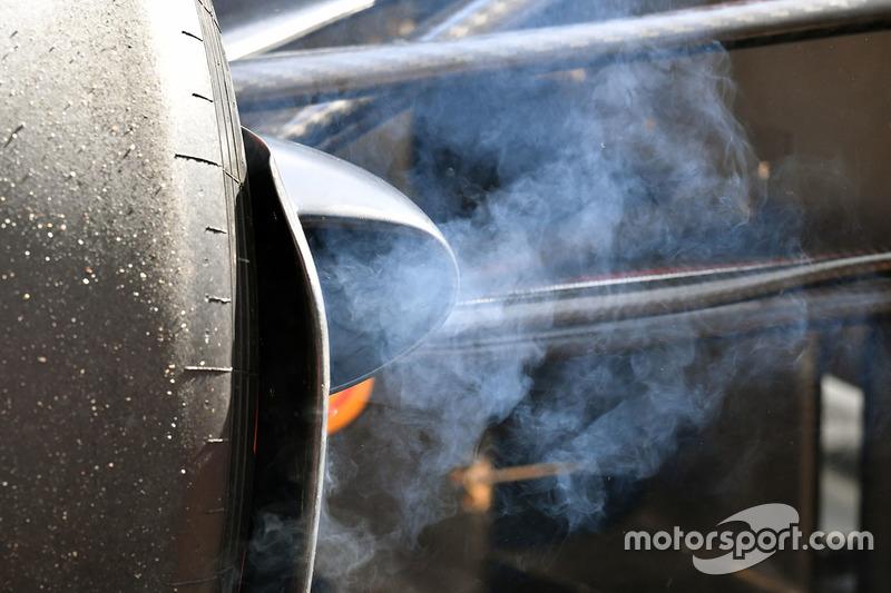 Smoking brake on Red Bull Racing RB13