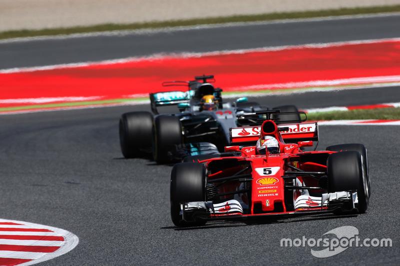Себастьян Феттель, Ferrari SF70H, Льюіс Хемітон, Mercedes AMG F1 W08