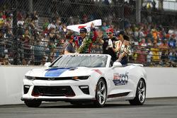 Takuma Sato, Michael Andretti, Andretti Autosport team owner celebrates the win on track