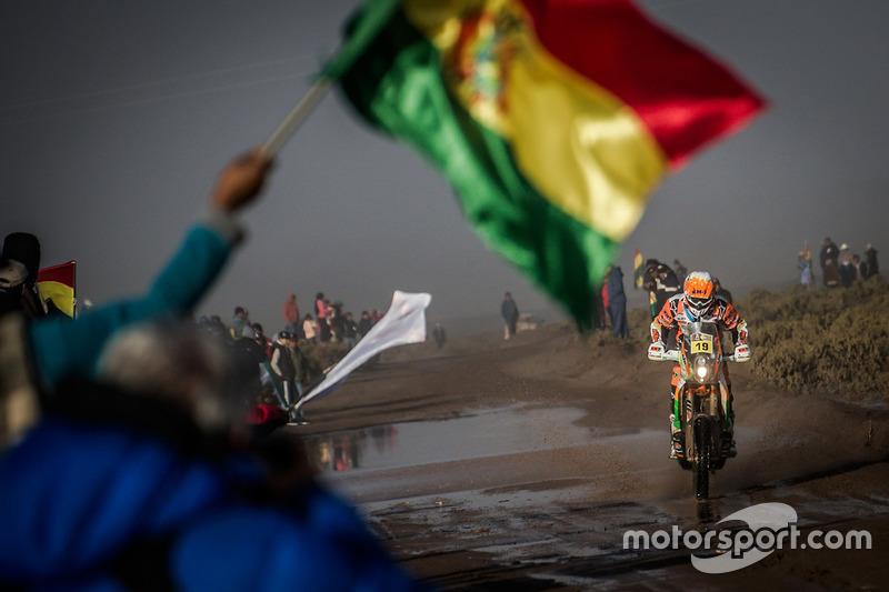 Laia Sanz scheurt door Bolivia