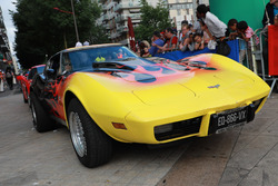 Une vieille Chevrolet Corvette