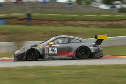 #46 Flying Lizard Motorsports Porsche 911 GT3 R: Andy Wilzoch