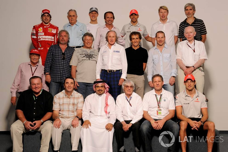 The F1 World Champions Group Photo: Fernando Alonso, Ferrari, Jack Brabham, Michael Schumacher, Merc