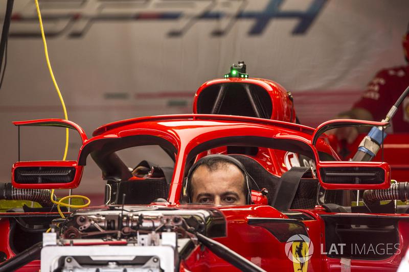 Detail halo dan kaca spion Ferrari SF71H
