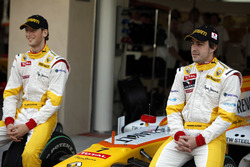 Fernando Alonso, Renault F1 Team y Romain Grosjean, Renault F1 Team