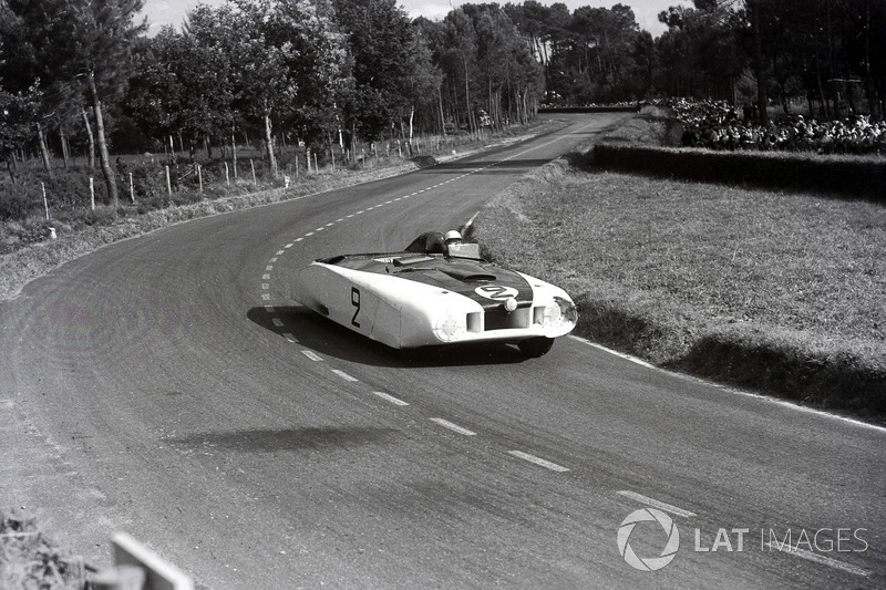 1950 год. Экипаж Бригса Каннингэма и Фила Уолтерса, Cadillac Spyder