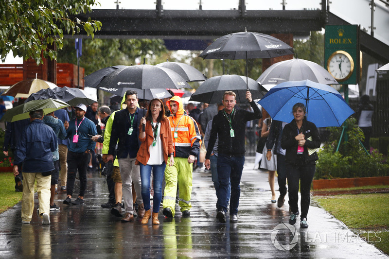 Rain continues to fall in the paddock