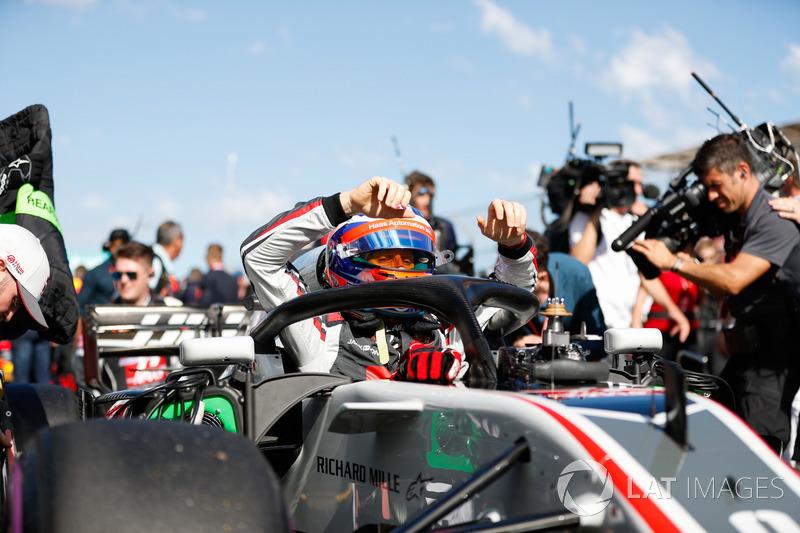 Romain Grosjean, Haas F1 Team VF-18 Ferrari, gets out of his car