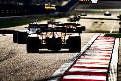 Carlos Sainz Jr., Renault Sport F1 Team R.S. 18, Stoffel Vandoorne, McLaren MCL33 Renault