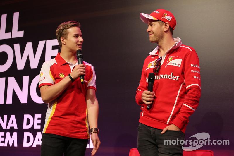 Gianluca Petecof et Sebastian Vettel