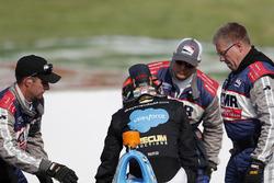 J.R. Hildebrand, Dreyer & Reinbold Racing Chevrolet crashes in turn 4