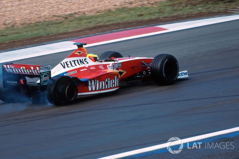 Patlak lastik nedeniyle Ralf Schumacher, Williams FW21 galibiyet mücadelesinden oluyor