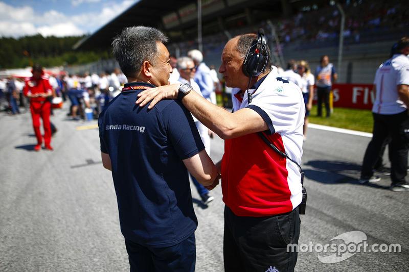 Masashi Yamamoto, manager de Honda Motorsport, et Frederic Vasseur, directeur de Sauber