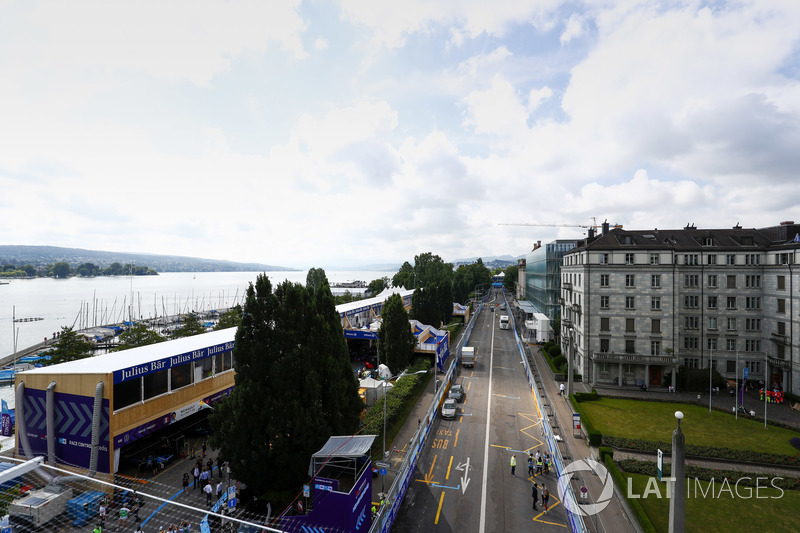 Pit lane for the Zurich ePrix