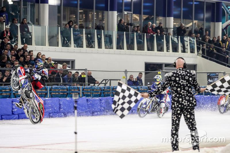 Ледовый сезон-2018 завершен. Ice Speedway Gladiators – главное соревнование в мире мотогонок на льду – вернется через год. И наверняка получится еще более интересным и зрелищным, чем чемпионат 2018 года