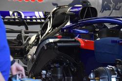 L'arrière de la Scuderia Toro Rosso STR13