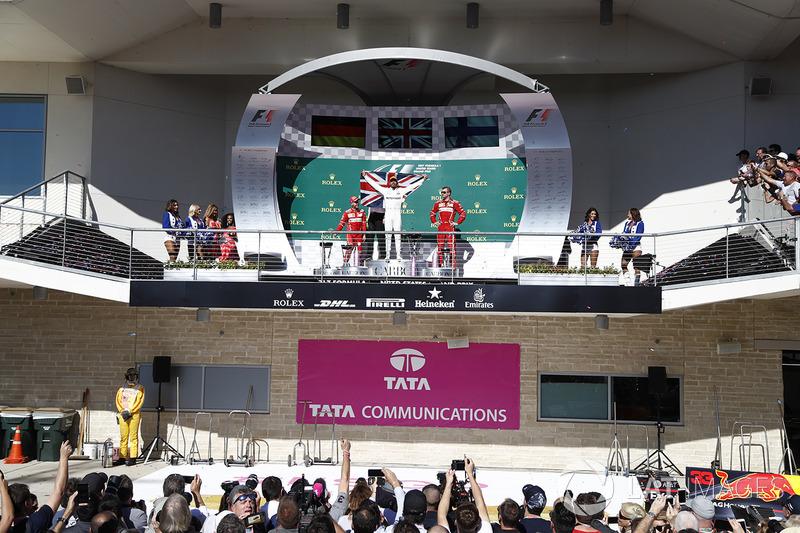 Race winner Lewis Hamilton, Mercedes AMG F1 celebrates on the podium alongside James Allison, Mercedes Technical Director, second place Sebastian Vettel, Ferrari and third place Kimi Raikkonen, Ferrari