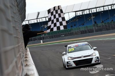 TCR UK: Silverstone