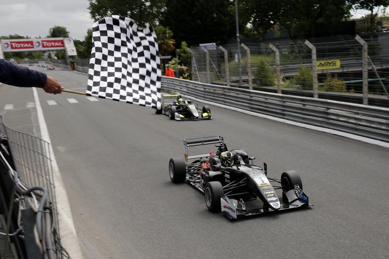Pau - Course 1