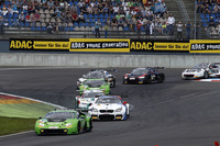 #19 GRT Grasser Racing Team, Lamborghini Huracán GT3: Ezequiel Perez Companc, Mirko Bortolotti führt