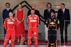 Ріккардо Адамі, гоночний інженер Ferrari, Кімі Райкконен, Ferrari, Себастьян Феттель, Ferrari та Даніель Ріккардо, Red Bull Racing