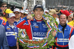 Takuma Sato, Michael Andretti, Andretti Autosport team owner Autosport Honda celebrates the win in Victory Lane with Indy 500 ring