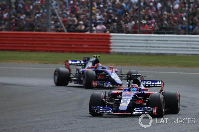 Пілоти Toro Rosso зіткнулися на першому колі. В аварії вони звинувачували один одного, але штраф отримав Данііл Квят