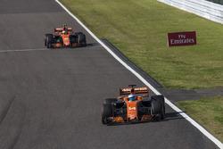 Fernando Alonso, McLaren MCL32 y Stoffel Vandoorne, McLaren MCL32