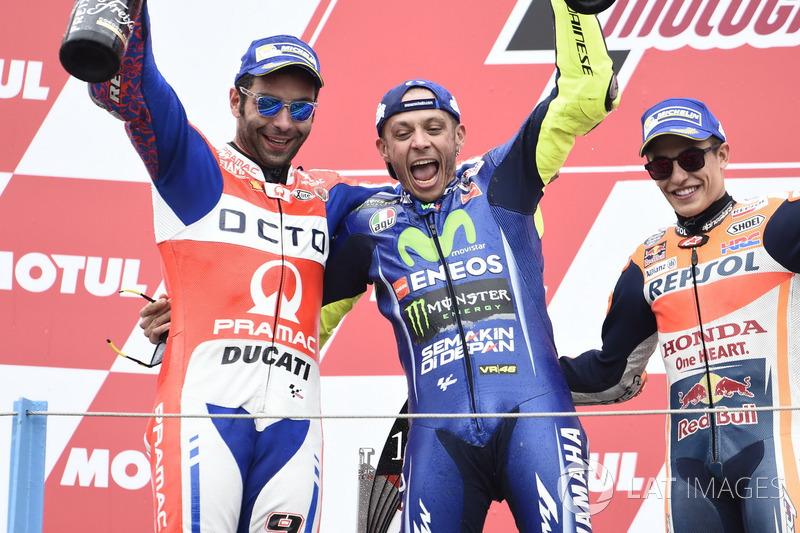 Podio: segundo lugar Danilo Petrucci, Pramac Racing, ganador de la carrera Valentino Rossi, Yamaha F