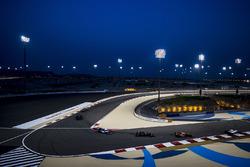 Fernando Alonso, McLaren MCL32, Kevin Magnussen, Haas F1 Team VF-17, Pascal Wehrlein, Sauber C36-Ferrari
