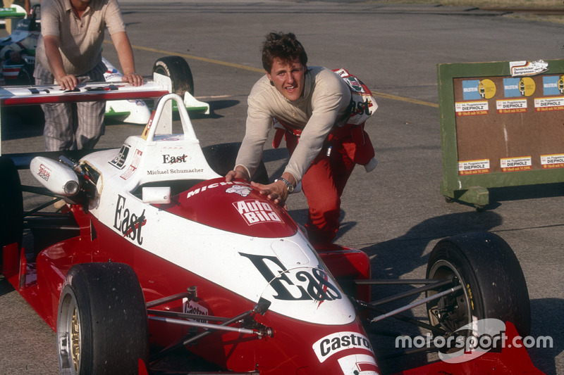 1989: Міхаель Шумахер переходить до Формули 3