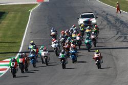 Start: Romano Fenati, Sky Racing Team VR46 leads